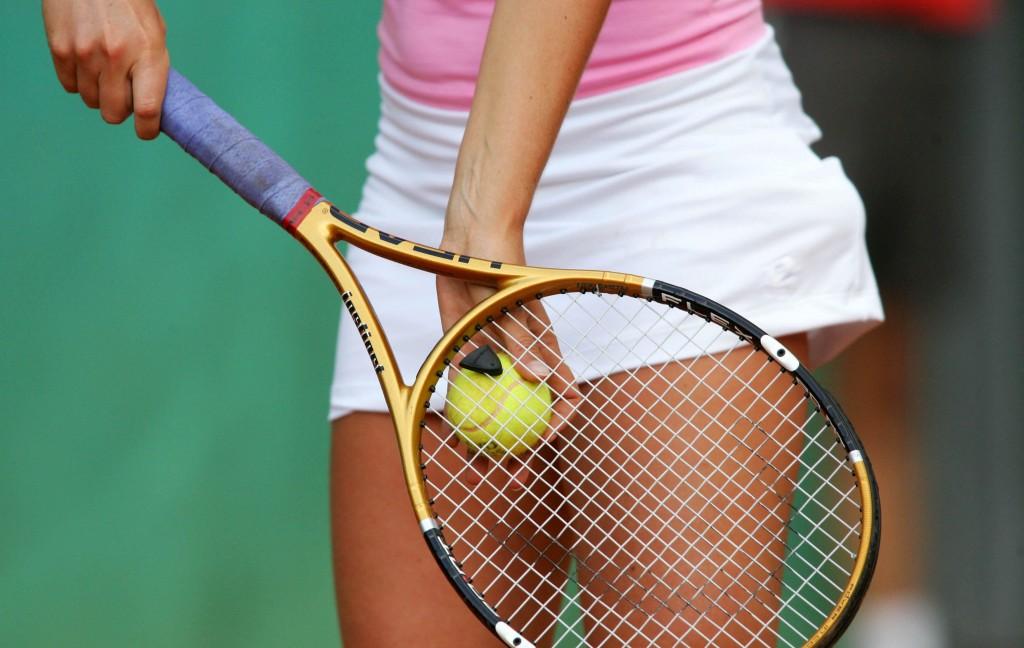 illustration - Roland garros - J2 - 28.05.2007 - tennis - femme femmes feminin - largeur attitude raquettte balle balles